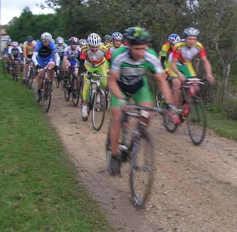 61-coureurs-au-cyclo-cross-Ufolep image article large